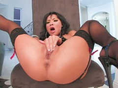 Bootylicious Asa Akira pleasures her hole with some fingers and loves it