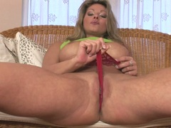 Filthy hottie Caroline Cage teases everyone with her smoothly shaved snatch