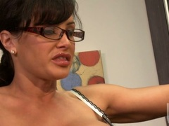 Filthy hot milf Lisa Ann loves spreading her pussy wide enough to get licked