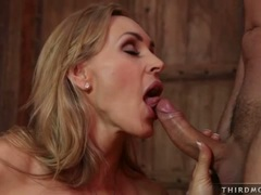 Filthy cougar Tanya Tate eagerly slides her lover's cock in and out her mouth