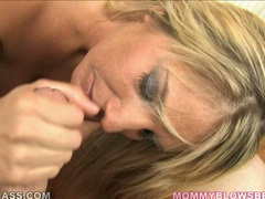 Cock suker Jordan Kingsley deliciously thumping a man meat sausage in her mouth