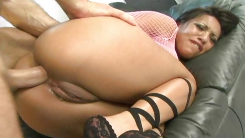 hot-ass-latina-jasmine-byrne