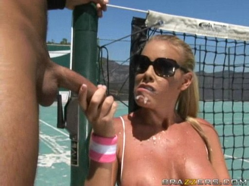 nude-kingfisher-nicole-sheridan-tennis-tits