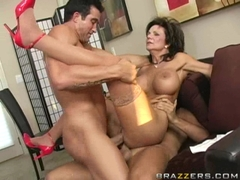 Busty Deauxma gets double penetrated by two massive pecker