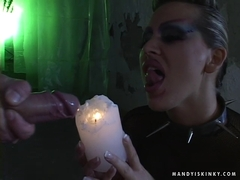 Starlet Mandy Brightgets fuckedand dripping a hot cum from a candle