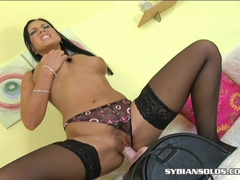 Stunning brunette babe Veronica Da Souza loves to ride a sybian