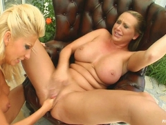 Fisted mandy bright