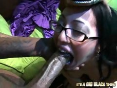 Teen latina Veronica Jett packed her mouth with a giant black cock