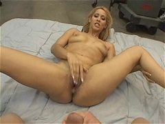 Spicy latin hottie Isis Love gets her pussy a huge creamy cumspray
