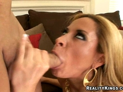 Sexy latina August munch a hardrock meat shaft