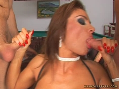 Bonny Bon loves to blow two hard meatpole on her mouth