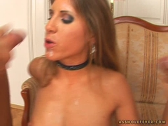 Jennifer Stone gets a double cumload on her mouth