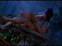 Latin vixen Mari Possa humping hard in the forrest