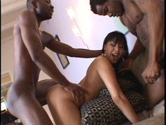 Avena Lee recieves a double warm jizz on her mouth