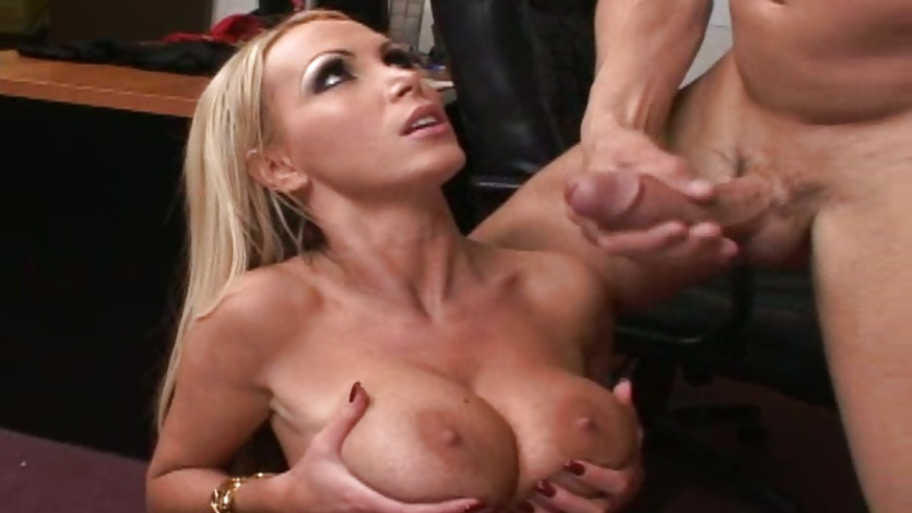 4tube porno lark Bodilsen breasts