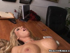 Busty babe Jessica Lynn getting pounded hard on her cunt on the desk