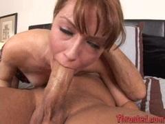 Hot Elli Foxx shows off her deepthroating skills