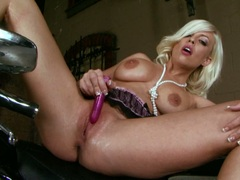A blonde, a bike and a beaver buzzing its hot masturbation for Britney Amber