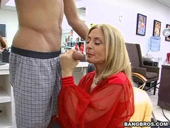 Matured Nina Hartley pleases her boyfriend's fresh cock in her warm adult mouth