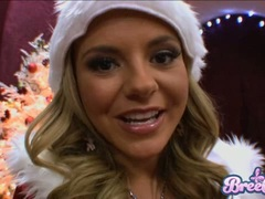 Bree Olson is looking so hot and tempting in her sizzling Santa costume