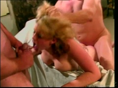 Horny Lisa Sparxxx lollipops on a lucky stud's meatpole with pleasure