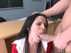 Whore Diamond Kitty always liked the pleasure of getting jizzed after a hot fuck
