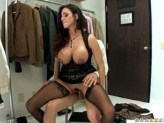 Ariella Ferrera deep his ass to her boss on chair