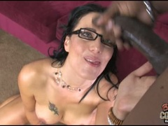 Zoe Holloway got her face and glasses full of cum