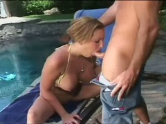 Sophie Gently works cock meat with sexy moist mouth