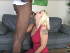 Mandy Sweet cougar like to eat a black meaty sausage