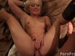 Ash Hollywood lying on the bed and screwed hard