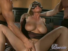 Devon Lee get fingered by hottie men with mask