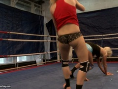 Laura Crystal and Michelle Moist cat fight in ring