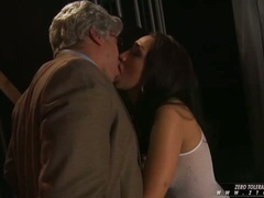 Vicky Chase lusty babe got fuck in the mouth