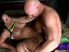 Kelly Divine babe filled with man's cum in her tongue