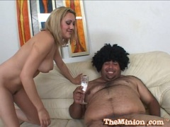 Gwen Diamond suck the small cock of fat dude