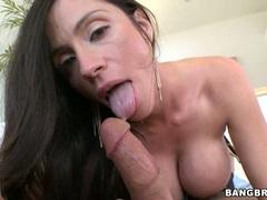 Ariella Ferrera milf bend the long cock and suck deeply