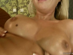 Nikky Thorne love fisting her friend on bed