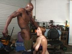 Dark dick lover Sierra Skye gets a mouth full off cock