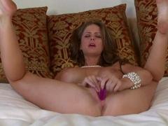 Emily Addison pleasures her juicy pantie pot