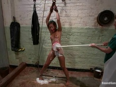 Kinky tart Skin Diamond gets scrubbed clean