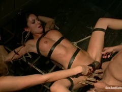 Blistering Nikki Daniels gets fucked & pegged tied up