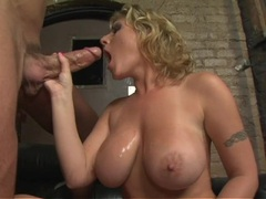 Cock sucking babe Velicity Von bouncing her huge tits