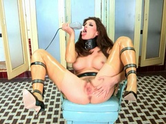 Whore Ryan Keely torments her soaking wet slit