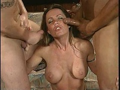 Raunchy Kiki Daire gets her face plastered with cum