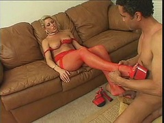 Chelsea Zinn gets out her tasty toes for a licking