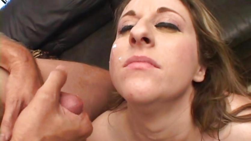 Teen ariel lee gets a massive cum facial cumshots