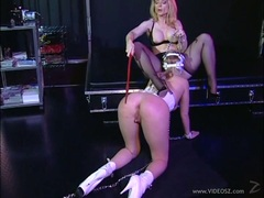 Rampant Nina Hartley torments this babes round butt