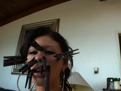 Naughty Brooklyn Lee gets a kick outta peg pinches