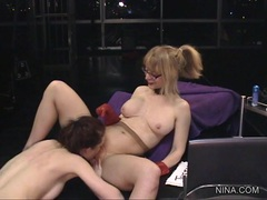 Rampant Nina Hartley gets licked out by Justine Jolie